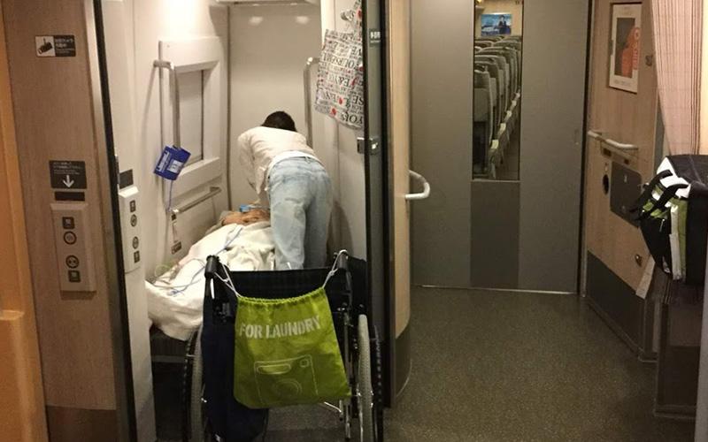 はやぶさ新幹線多目的室
