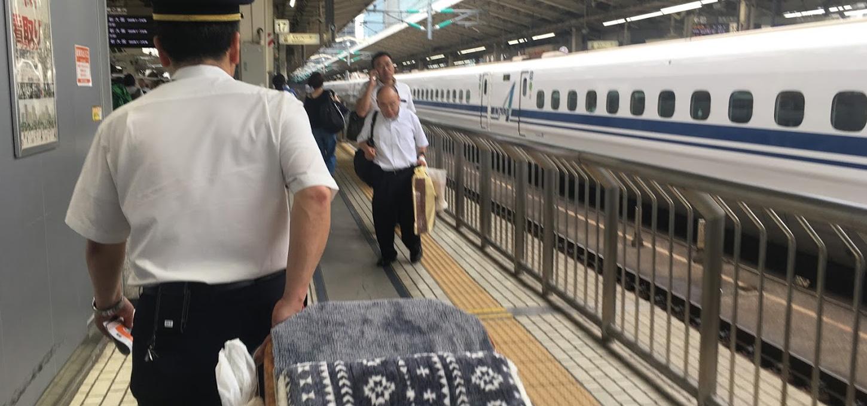 新幹線搬送