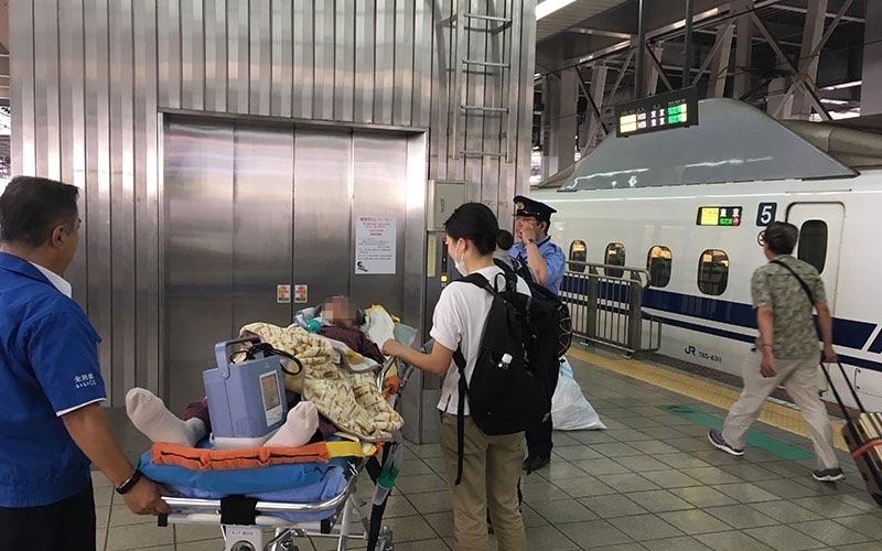 新幹線 患者搬送